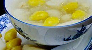 Chế biến yến sào với hạt sen thành một món chè bổ dưỡng