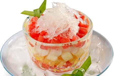 Mùa hè nên ăn yến sào tốt cho sức khỏe trẻ em - Yến Sào ăn với trái cây mát lạnh